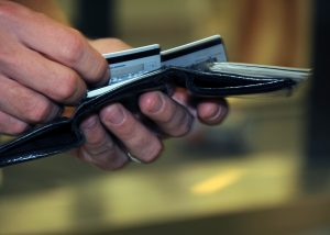 4 Reasons to Use a Credit Card for All Purchases