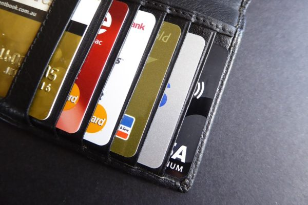 4 Ways Credit Card Companies Try to Lure You In